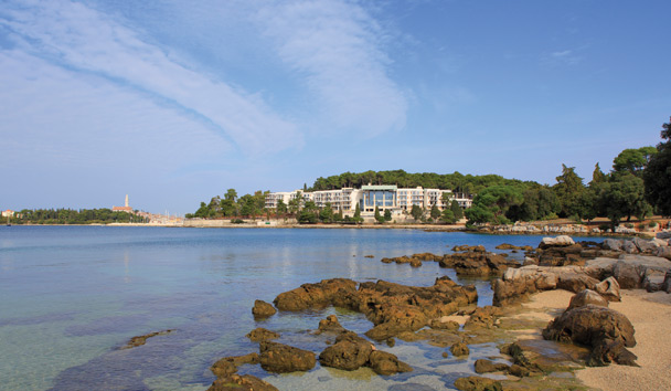 Hotel Monte Mulini: View from Nearby Beach