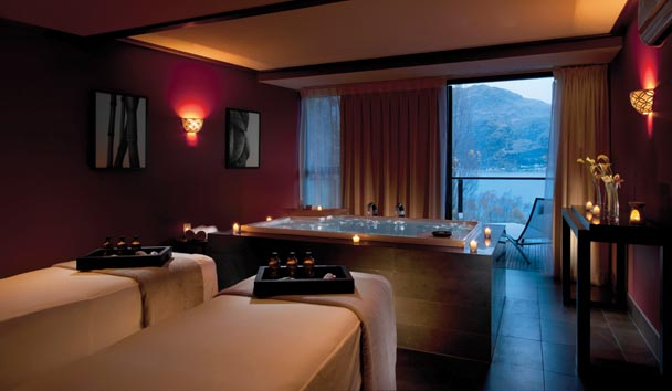 Hilton Queenstown Resort & Spa: Couples Treatment Room at the Spa