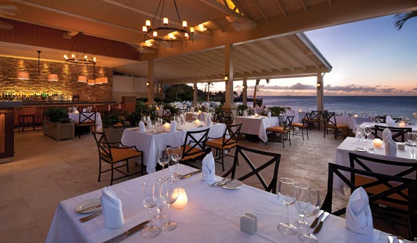 The Cove Suites at Blue Waters: Dining
