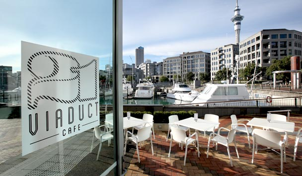 Sofitel Auckland Viaduct Harbour: 21 Viaduct Cafe