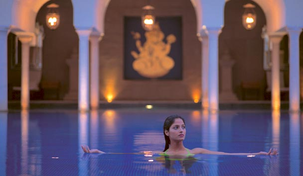 The Oberoi Amarvilas: Outdoor Pool