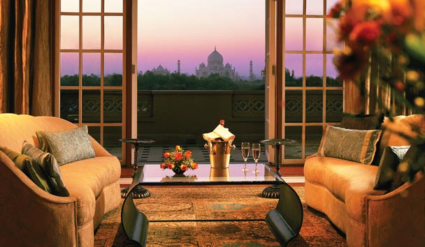 The Oberoi Amarvilas: Deluxe Suite with Balcony