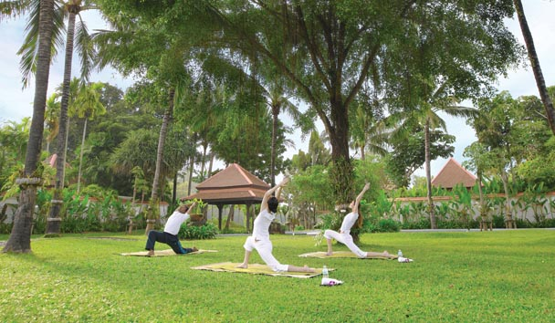 Banyan Tree Spa Sanctuary: Yoga on the Garden