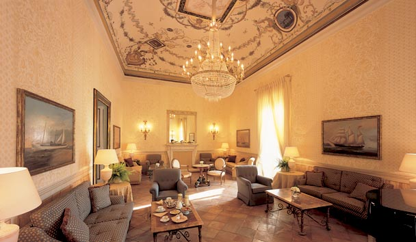 Belmond Hotel Caruso: Piano Bar Lounge