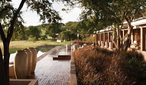 Singita Serengeti House: Deck and Outdoor Pool