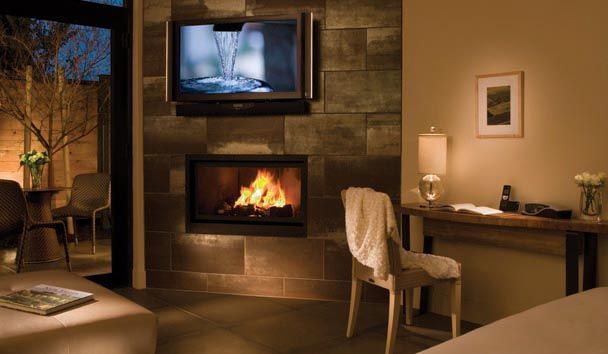 Bardessono: Fireplace