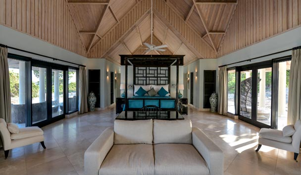 Lazy Lizard Estate House at Jumby Bay Island: Indoor Living Area