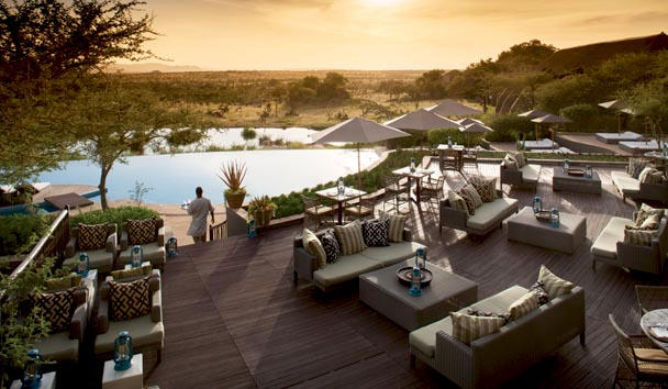 Four Seasons Safari Lodge, Serengeti: Maji Bar and Terrace