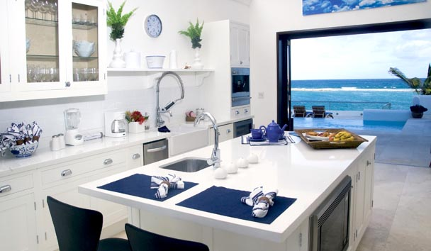 Le Bleu: Kitchen