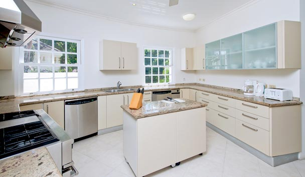 Illusion Villa at Sugar Hill Estate: Kitchen