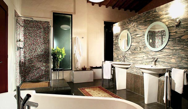 The Farmhouses at Castello di Casole: Bathroom