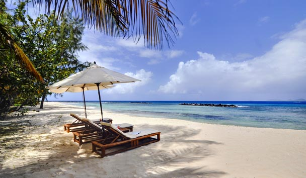 Gingerbread, Mustique: Beach