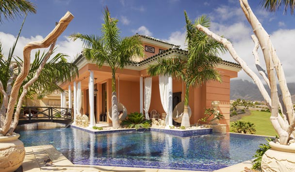 Royal Garden Villas & Spa: Villa Exterior