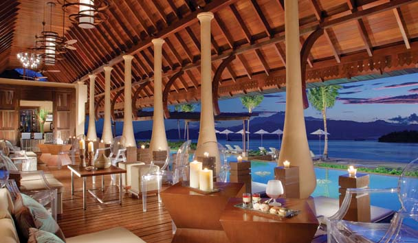 Gaya Island Resort: Pool Bar and Lounge