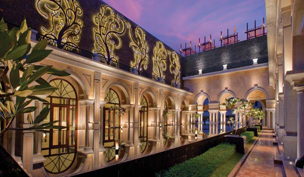 The Leela Palace, Chennai: Courtyard Exterior