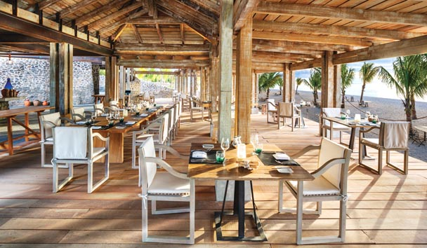 The St. Regis Mauritius Resort: The Boathouse Bar & Grill
