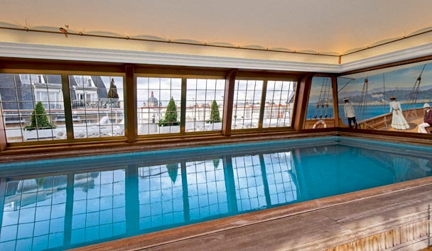 Le Bristol Paris: Indoor Pool