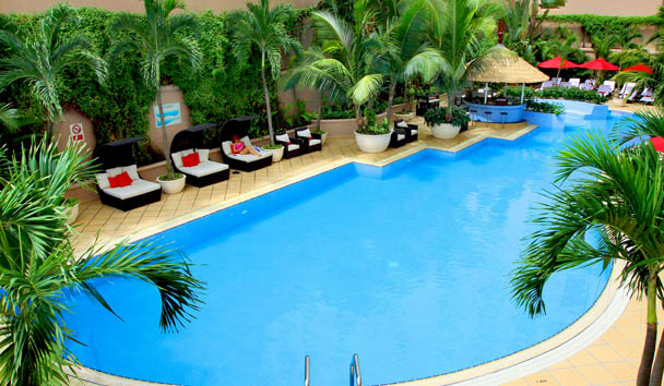 Caravelle Saigon: The Pool