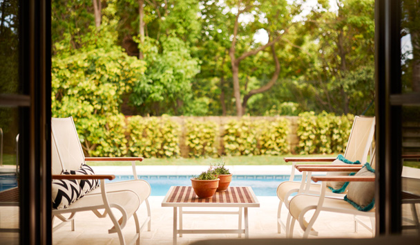 Villas at Marbella Club Hotel, Golf Resort & Spa: Poolside Seating
