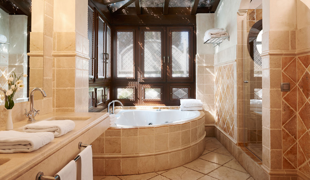 Villas at Marbella Club Hotel, Golf Resort & Spa: Two Bedroom Villa Bathroom