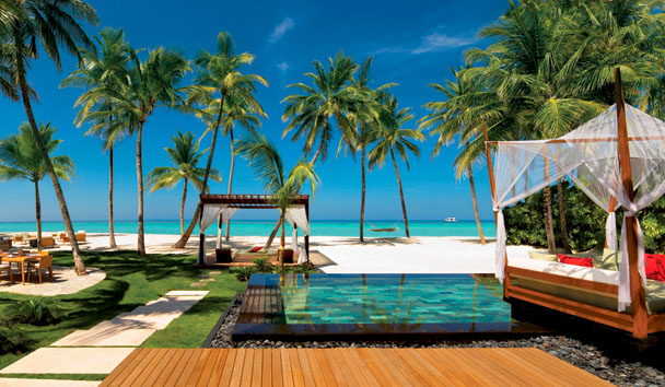 One & Only Reethi Rah, Exterior