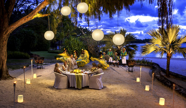 The Residence Mauritius: The Plantantion Oceanfront Dining & Entertainment