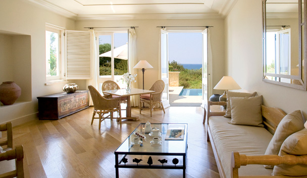 Anassa: One Bedroom Suite with Pool