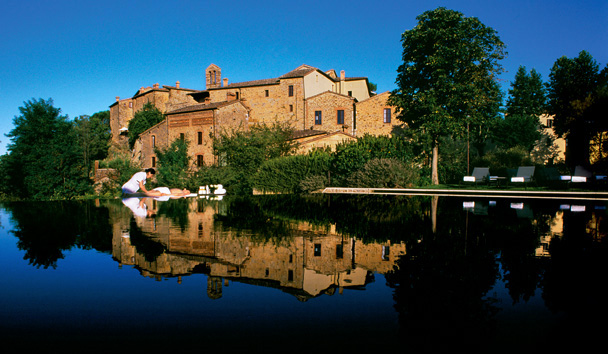 Castel Monastero: Outdoor Spa Treatment