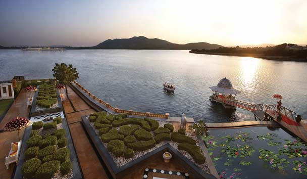 The Leela Palace Udaipur: Pond and Gardens