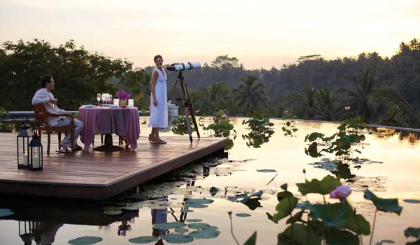 Four Seasons Resort Bali at Sayan: Destination Dining Near the Lotus Pond