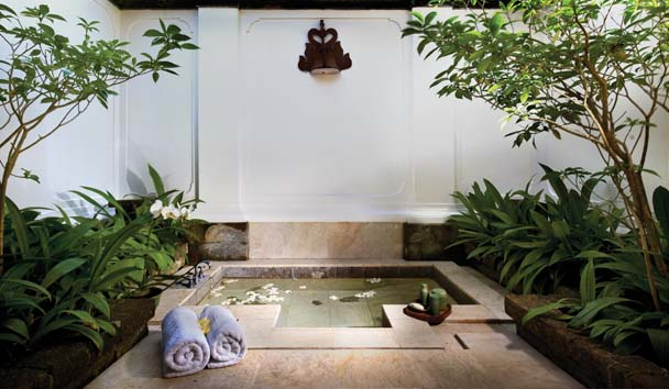 Amandari: Sunken Bath at Amandari Two Bedroom Suite
