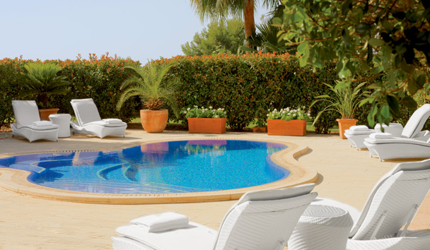 The St. Regis Mardavall Mallorca Resort: Blue Oasis Suite Terrace