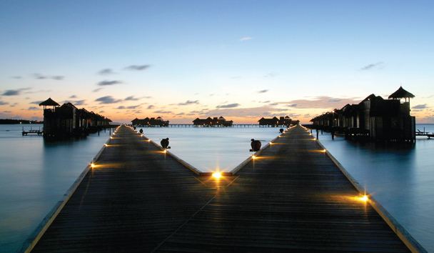 Gili Lankanfushi: Walkway to Villas