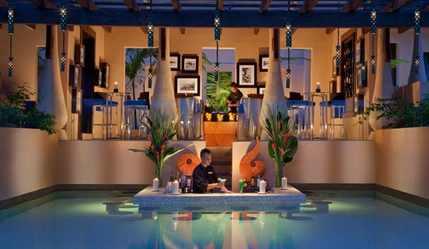 Gaya Island Resort: Pool Bar