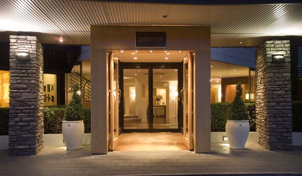 The George: Hotel Entrance