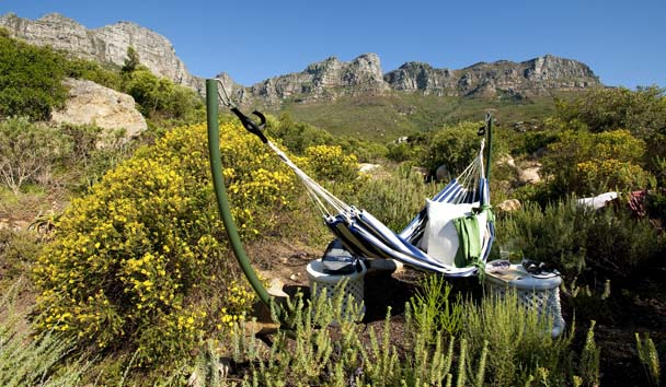 The Twelve Apostles Hotel and Spa: Hammock Relaxation
