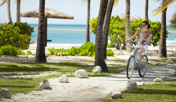 Jumby Bay Island: Cycling