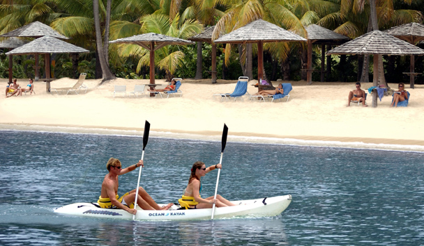 Curtain Bluff: Beach Activity