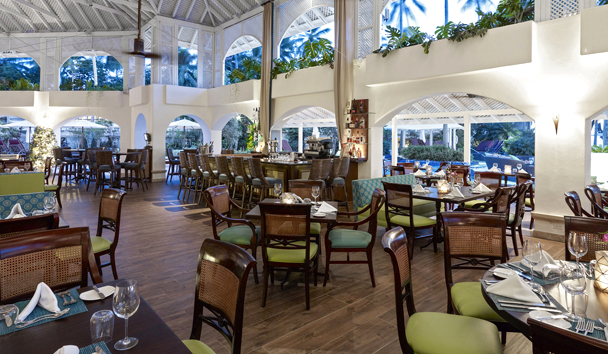 Colony Club by Elegant Hotels: Laguna Restaurant
