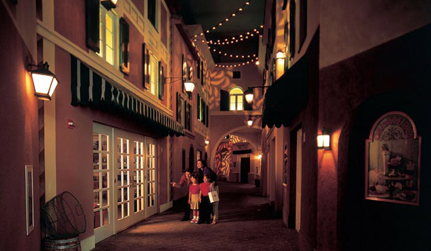 Loews Portofino Bay Hotel at Universal Orlando: Portofino Bay Alley