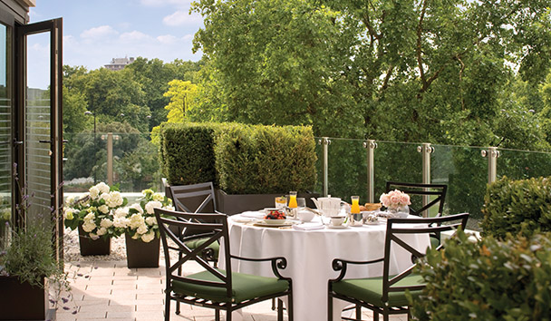 Four Seasons Hotel London at Park Lane: Garden Suite