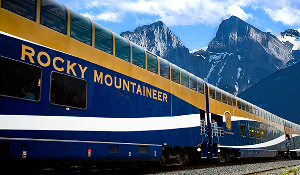 Rocky Mountaineer: GoldLeaf Carriages