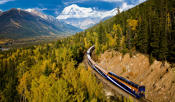 Rocky Mountaineer: Mount Robson - Journey Through the Clouds