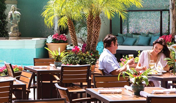 Beverly Wilshire, A Four Seasons Hotel: Pool Bar & Cafe