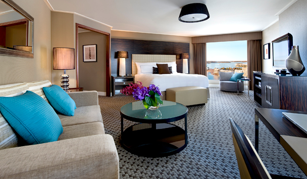 Four Seasons Hotel Sydney: Premier City Harbour Room