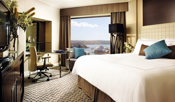 Four Seasons Hotel Sydney: Deluxe Full Harbour Room