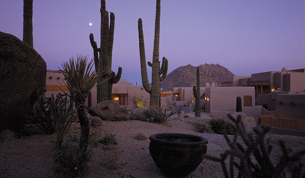 Four Seasons Resort Scottsdale at Troon North: Troon Mountain At Dusk