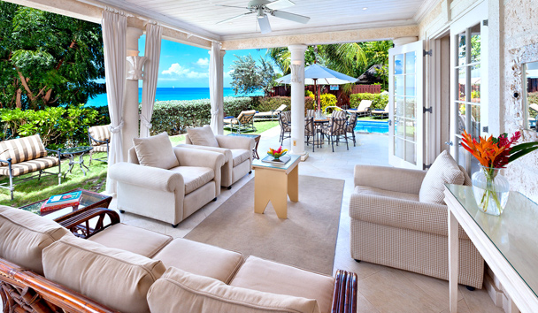 Westhaven: Villa Exterior Lounge Area