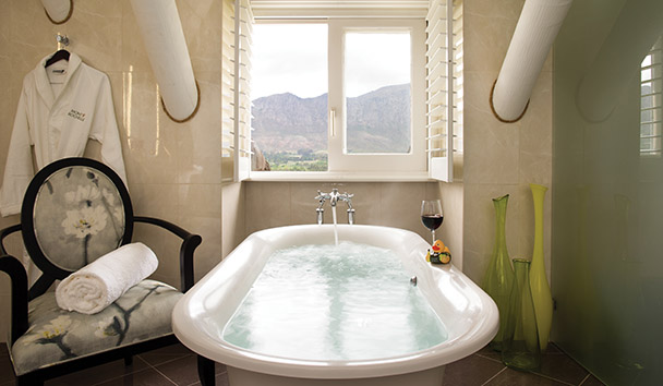 Mont Rochelle: Pinotage Suite Bathroom