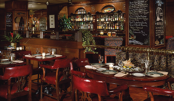 Fairmont Olympic Hotel, Seattle: Shuckers Oyster Bar